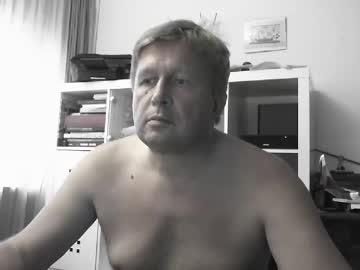 [18-08-20] vejun2018 public webcam video from Chaturbate.com