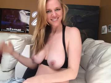 [15-04-20] hottyhousewifey public webcam from Chaturbate.com