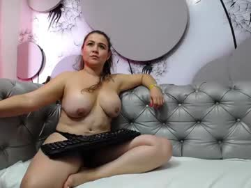 [08-05-21] mature_candy3 record video with toys