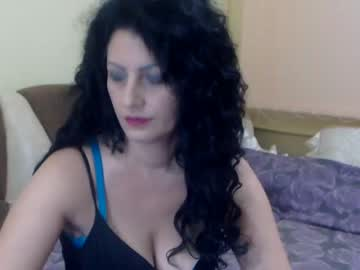 [13-08-20] alexyaxx record video with toys