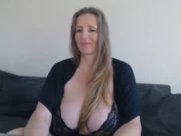 [24-10-21] xxnikkie record video with dildo from Chaturbate.com