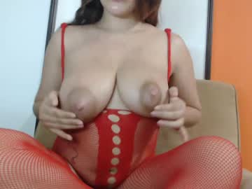 [20-02-20] angelica_pingui video with toys
