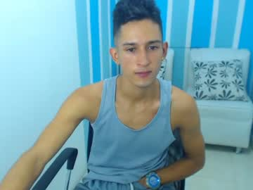 [14-08-20] axel_d1 public show video from Chaturbate.com