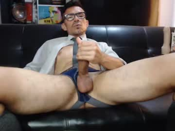 [22-05-21] bruce_hardy show with toys from Chaturbate.com