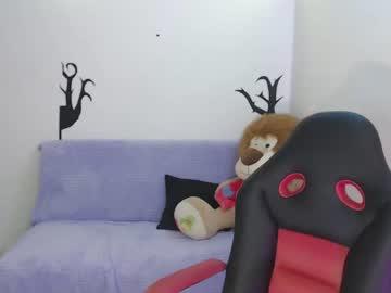 [06-11-20] redqueen0522 public webcam from Chaturbate