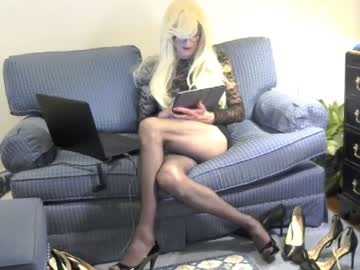 [10-04-20] chrissiecd22 webcam show from Chaturbate