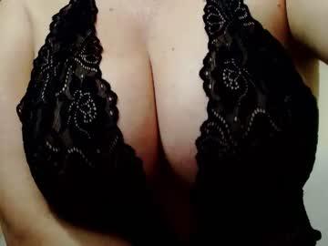 [05-10-20] ladamilenka blowjob video from Chaturbate