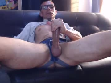 [22-04-21] bruce_hardy public show from Chaturbate