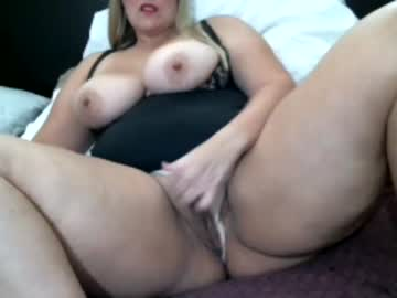 [01-10-21] thickchloe video with dildo