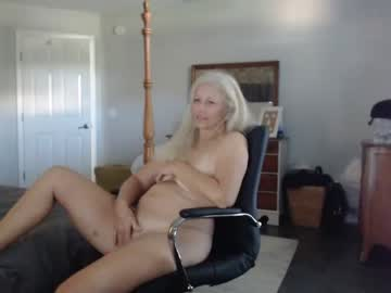 [28-07-21] sexyblondewife public show video from Chaturbate