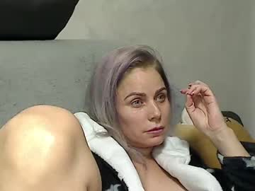 [14-10-20] 00yourmilf record public show from Chaturbate
