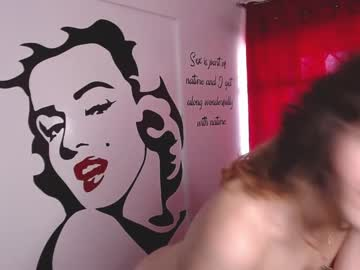 [21-04-21] dollwill_sofi_ record video with toys