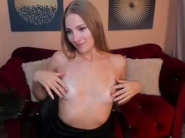 [18-09-21] emilia_silkk webcam record