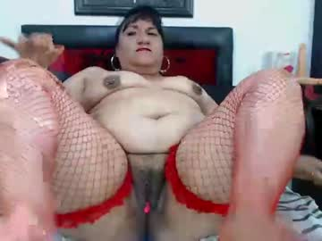 [10-07-21] lauramilfhot public show video from Chaturbate
