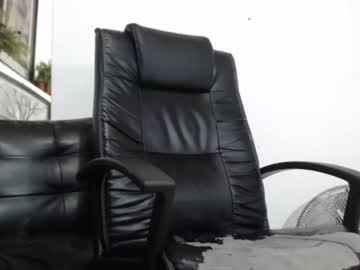 [23-02-21] manhuntercol webcam show from Chaturbate