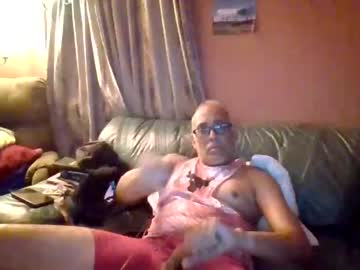 [24-09-21] pawgkiller video with toys