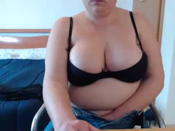 [04-03-21] anitahh827 video with toys